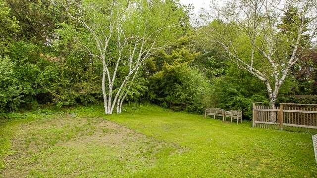 Detached at 32 Blue Spruce Lane, Markham, Ontario. Image 10