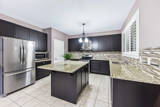 Detached at 131 Greendale Ave, Whitchurch-Stouffville, Ontario. Image 19