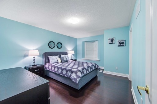 Detached at 131 Greendale Ave, Whitchurch-Stouffville, Ontario. Image 4