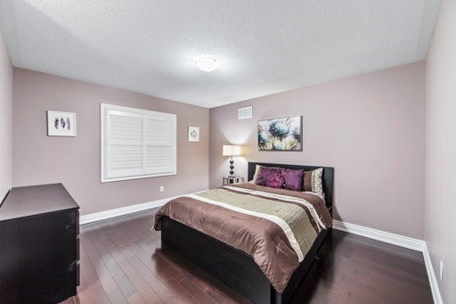 Detached at 131 Greendale Ave, Whitchurch-Stouffville, Ontario. Image 6