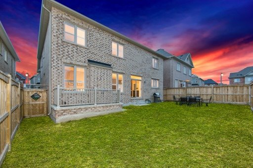 Detached at 131 Greendale Ave, Whitchurch-Stouffville, Ontario. Image 13