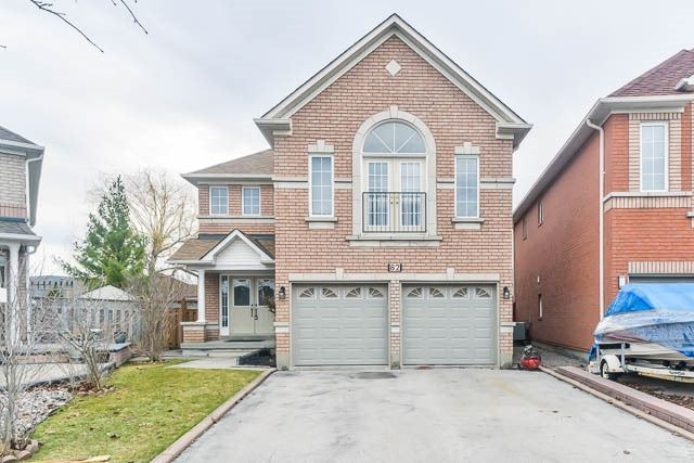 Detached at 82 Sapphire Dr, Richmond Hill, Ontario. Image 1