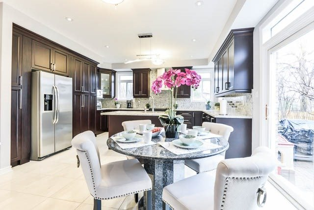 Detached at 82 Sapphire Dr, Richmond Hill, Ontario. Image 18