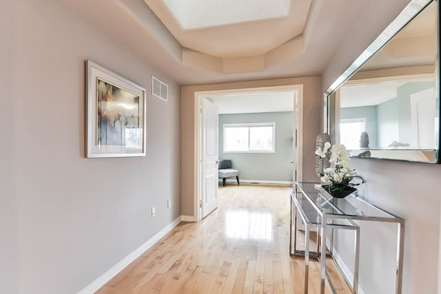 Detached at 82 Sapphire Dr, Richmond Hill, Ontario. Image 5