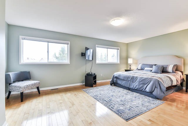 Detached at 82 Sapphire Dr, Richmond Hill, Ontario. Image 6
