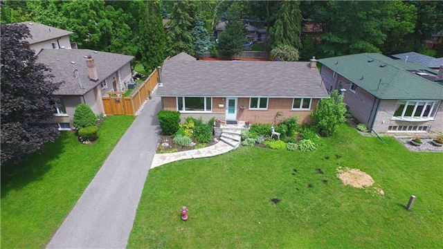 Detached at 58 Dunning Ave, Aurora, Ontario. Image 12