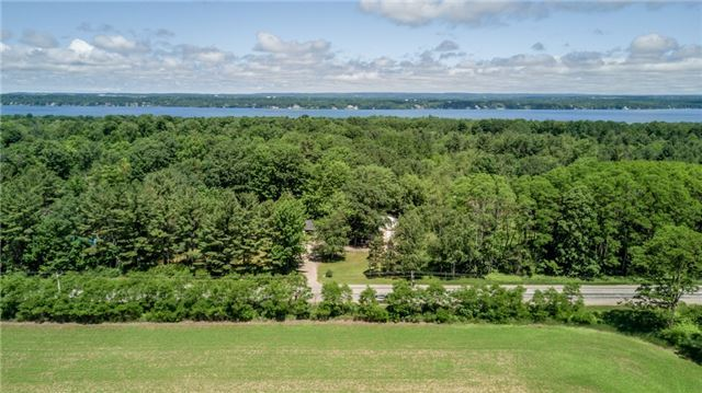 Detached at 1724 Big Bay Point Rd, Innisfil, Ontario. Image 14
