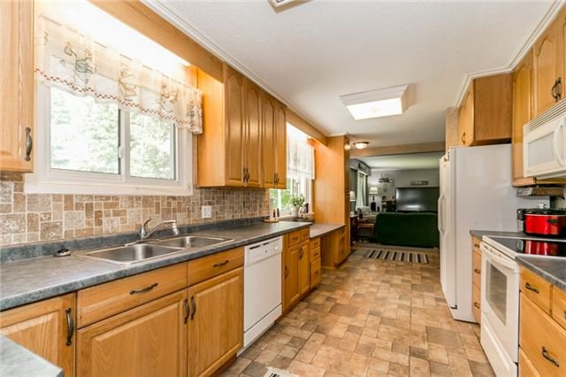 Detached at 1724 Big Bay Point Rd, Innisfil, Ontario. Image 2