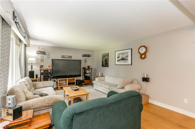Detached at 1724 Big Bay Point Rd, Innisfil, Ontario. Image 3