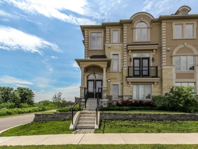 Townhouse at 30 Grand Trunk Ave, Vaughan, Ontario. Image 1