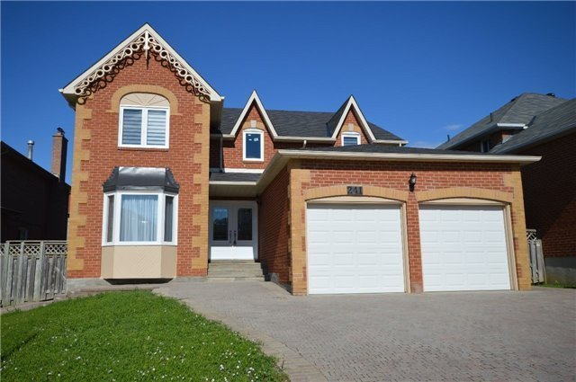 Detached at 241 Valleymede Dr, Richmond Hill, Ontario. Image 12