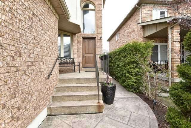 Detached at 30 Rocksprings Ave, Richmond Hill, Ontario. Image 11