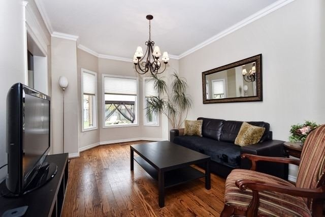Detached at 30 Rocksprings Ave, Richmond Hill, Ontario. Image 16