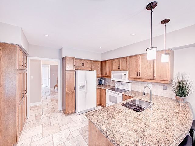 Detached at 434 Carruthers Ave, Newmarket, Ontario. Image 12