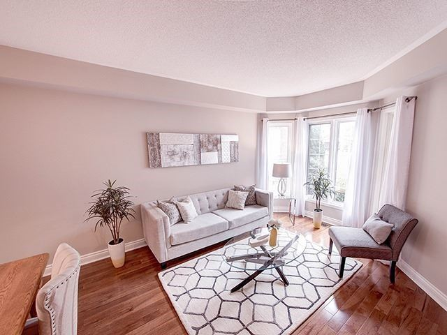 Detached at 434 Carruthers Ave, Newmarket, Ontario. Image 3