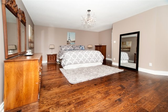 Detached at 64 Proctor Ave, Markham, Ontario. Image 2
