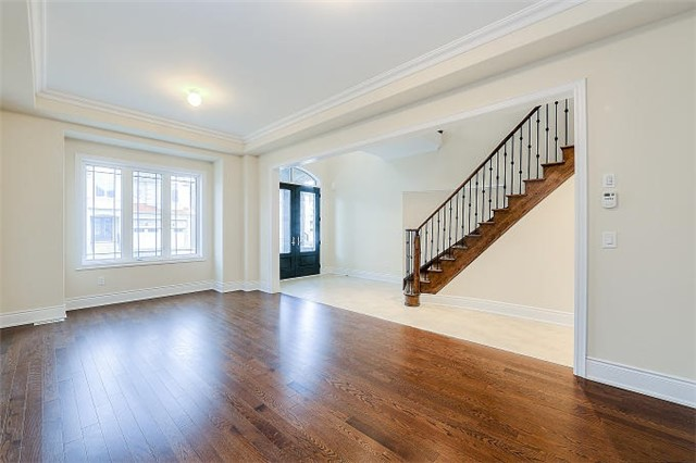 Detached at 12 Rossini Dr, Richmond Hill, Ontario. Image 15