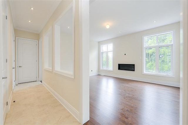 Detached at 12 Rossini Dr, Richmond Hill, Ontario. Image 17