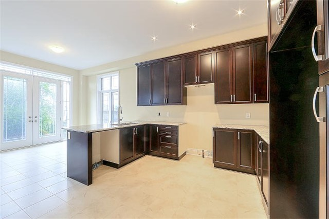 Detached at 12 Rossini Dr, Richmond Hill, Ontario. Image 3