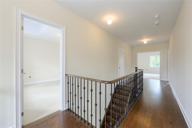 Detached at 12 Rossini Dr, Richmond Hill, Ontario. Image 11
