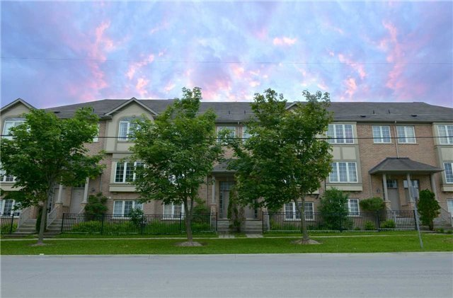 Townhouse at 71 Puccini Dr, Unit 5, Richmond Hill, Ontario. Image 1