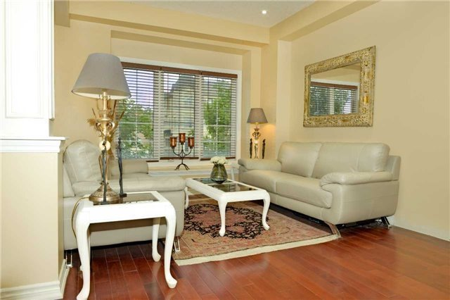 Townhouse at 71 Puccini Dr, Unit 5, Richmond Hill, Ontario. Image 8