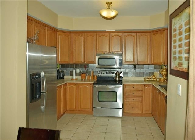 Townhouse at 71 Puccini Dr, Unit 5, Richmond Hill, Ontario. Image 10