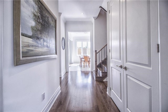 Detached at 30 Britnell Crt, King, Ontario. Image 12