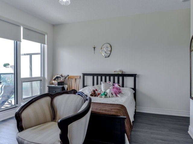 Condo Apartment at 9088 Yonge St, Unit 203, Richmond Hill, Ontario. Image 20