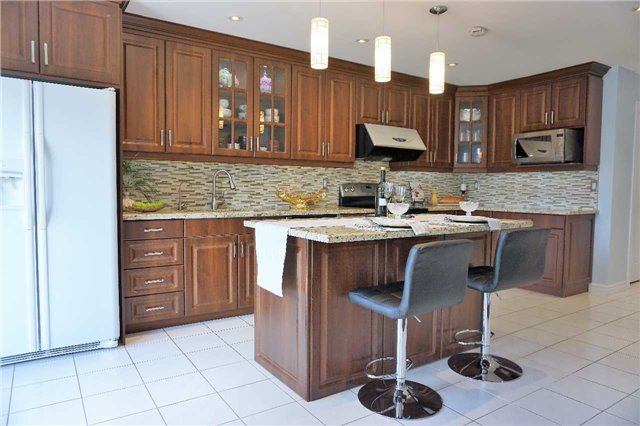 Detached at 43 Croteau Cres, Vaughan, Ontario. Image 10