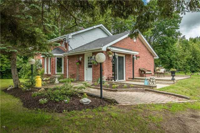 Detached at 6728 County Rd 21 Rd, Essa, Ontario. Image 1