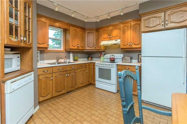 Detached at 6728 County Rd 21 Rd, Essa, Ontario. Image 14