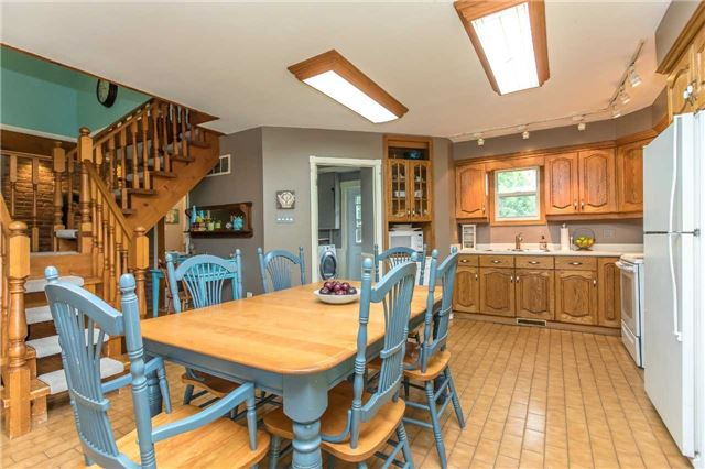 Detached at 6728 County Rd 21 Rd, Essa, Ontario. Image 15