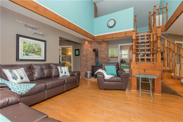 Detached at 6728 County Rd 21 Rd, Essa, Ontario. Image 16