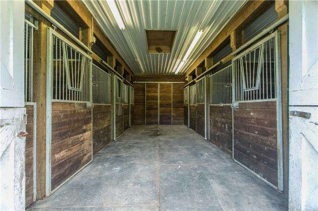 Detached at 6728 County Rd 21 Rd, Essa, Ontario. Image 10