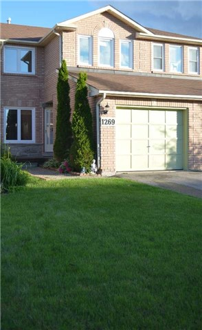 Townhouse at 1269 Huron Crt, Innisfil, Ontario. Image 1
