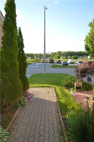 Townhouse at 1269 Huron Crt, Innisfil, Ontario. Image 9