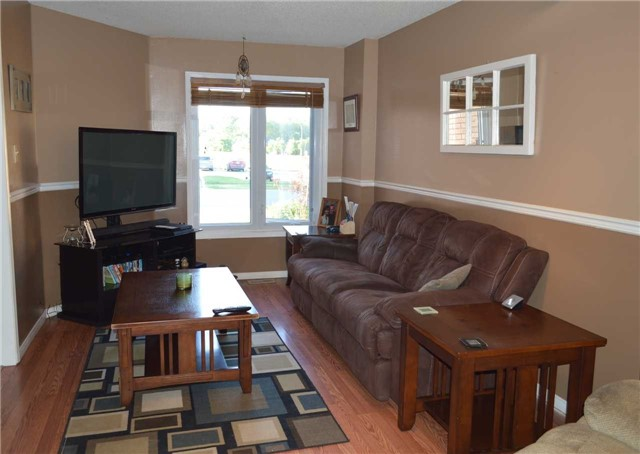 Townhouse at 1269 Huron Crt, Innisfil, Ontario. Image 10