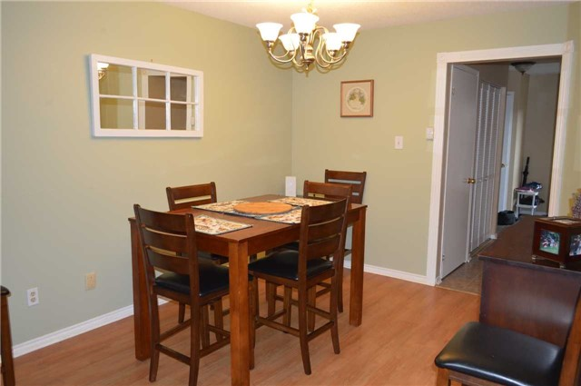 Townhouse at 1269 Huron Crt, Innisfil, Ontario. Image 13