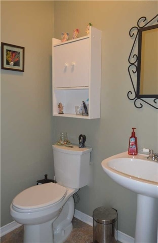 Townhouse at 1269 Huron Crt, Innisfil, Ontario. Image 15