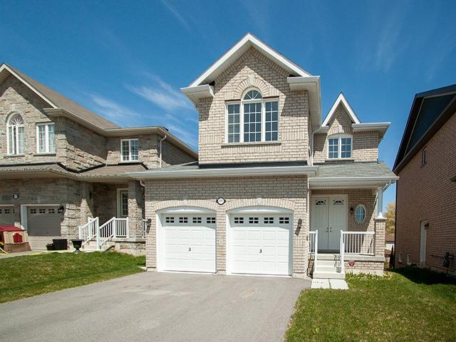 Detached at 2267 Whitewood Cres, Innisfil, Ontario. Image 1