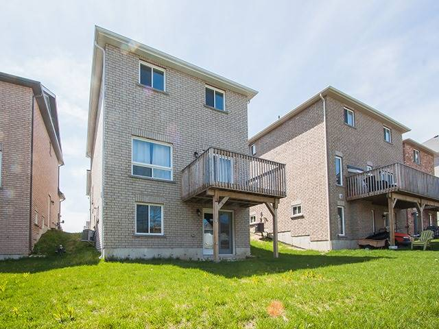 Detached at 2267 Whitewood Cres, Innisfil, Ontario. Image 10