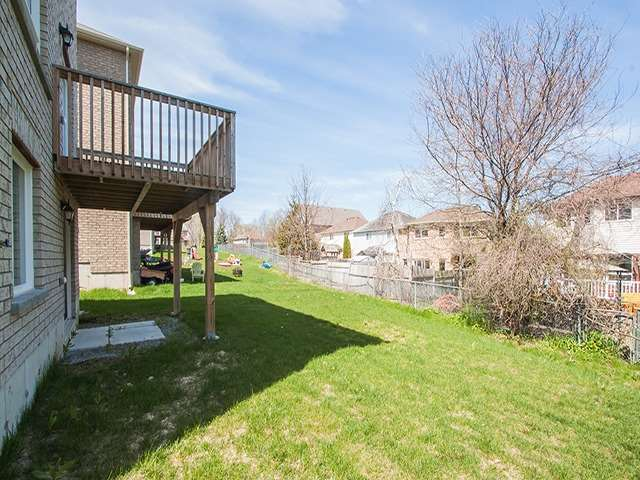 Detached at 2267 Whitewood Cres, Innisfil, Ontario. Image 11