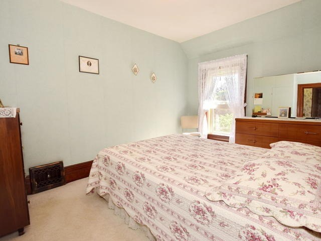 Detached at 6531 Main St, Whitchurch-Stouffville, Ontario. Image 4