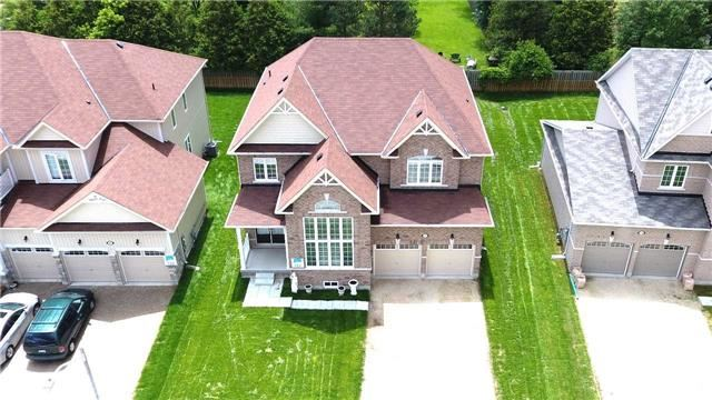 Detached at 10 Mount Cres S, Essa, Ontario. Image 14