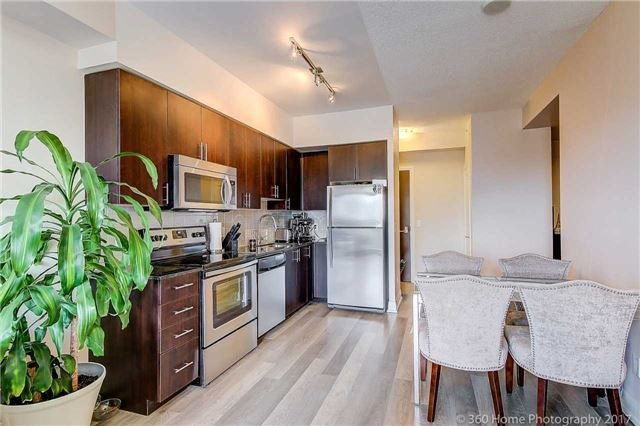 Condo Apartment at 85 North Park Rd, Unit 809, Vaughan, Ontario. Image 14