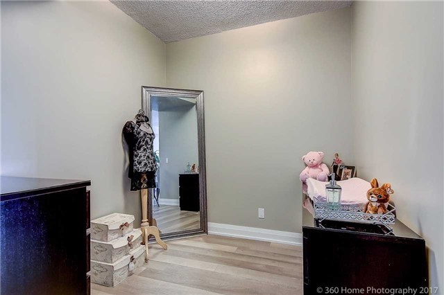 Condo Apartment at 85 North Park Rd, Unit 809, Vaughan, Ontario. Image 4