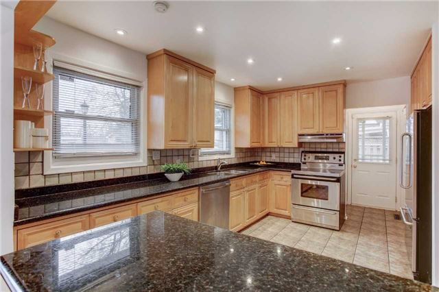 Detached at 24 Almond Ave, Markham, Ontario. Image 14