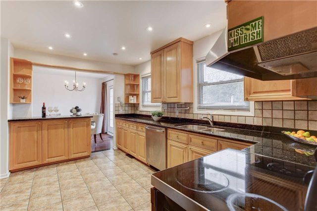 Detached at 24 Almond Ave, Markham, Ontario. Image 15