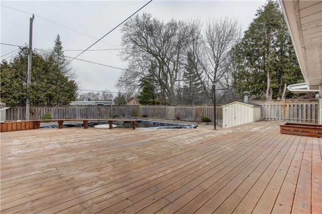 Detached at 24 Almond Ave, Markham, Ontario. Image 5